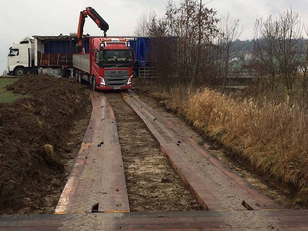 Temporary Access Roadway Solutions UK Timbermats.jpg
